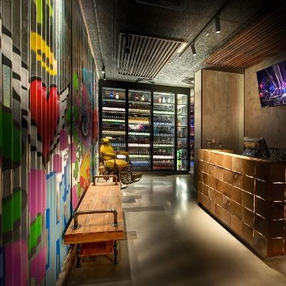 El Barrio Restro & Lounge