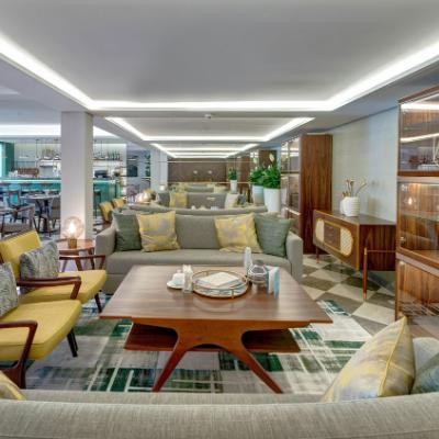 Garden Club Lounge